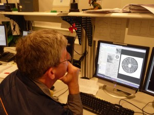 Hans watching the pupil. The cross visible in the center is the spider that holds the secondary mirror.
