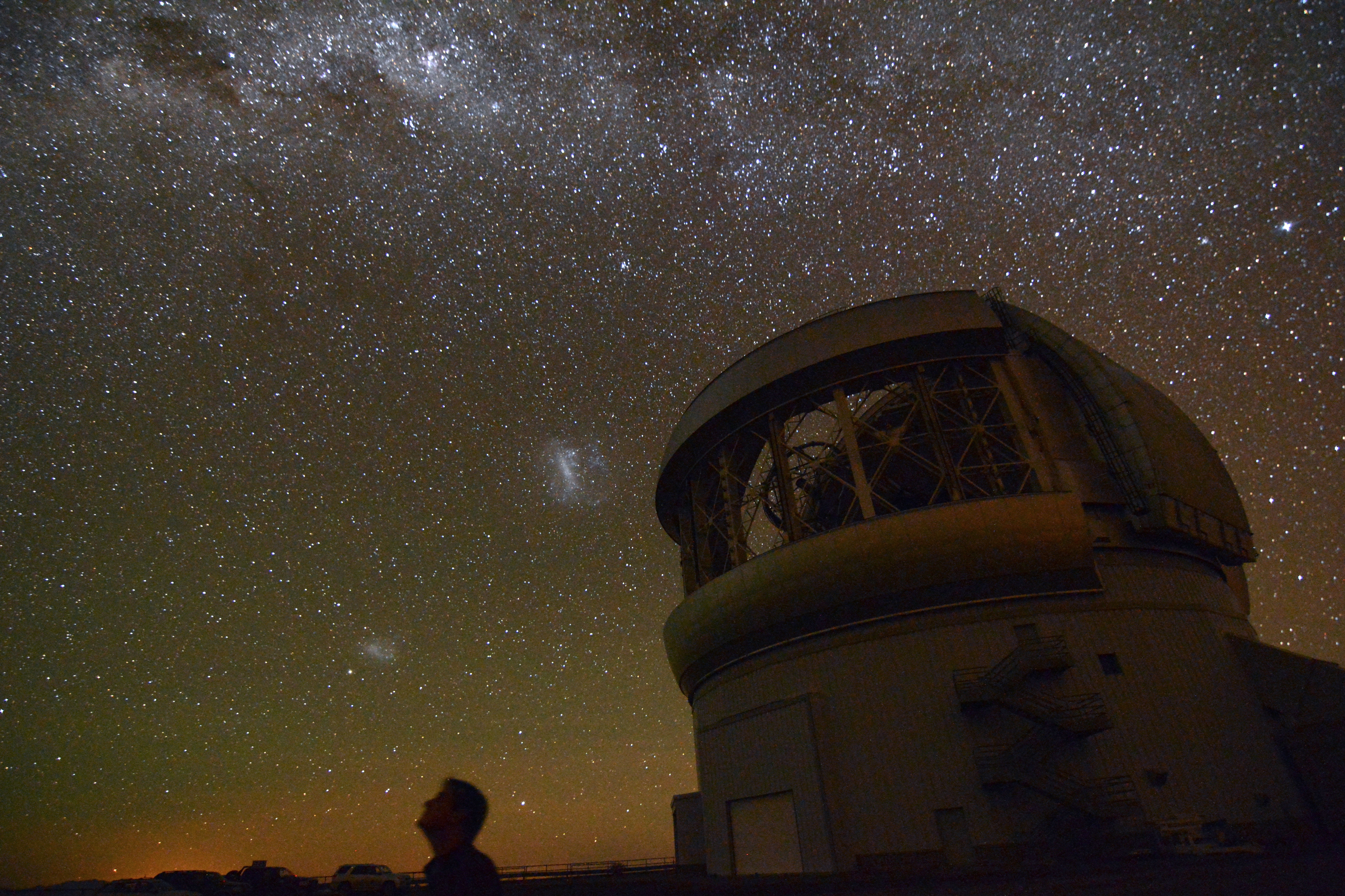 Gemini South telescope and the southern hemisphere sky (credit: Marshall Perrin).